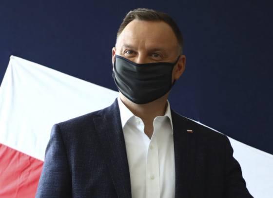 polsky prezident duda chape zufalstvo ludi otvarajucich prevadzky predpisy sa vsak musia dodrziavat