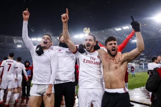 video juventus a ac milano postupili do finale coppa italia