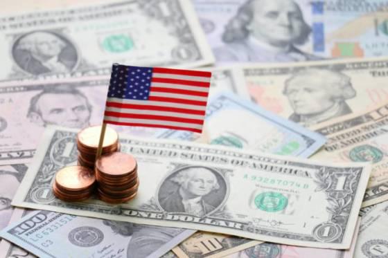 dolar opat posilnil voci euru aj jenu