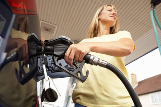 za rast cien pohonnych latok moze zdrazenie ropy na komoditnych trhoch ocakava sa stabilizovanie