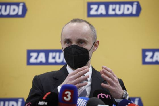 z vladnej koalicie vystupil dalsi poslanec strany za ludi slovensko vstupilo do siene hanby