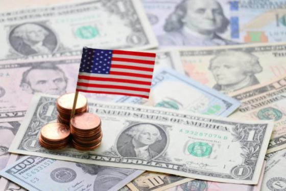 dolar posilnil voci euru aj jenu investori eviduju zvysenie inflacie