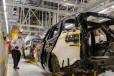 britsky jaguar land rover zastavuje vyrobu spolocnost trapi nedostatok potrebnych cipov
