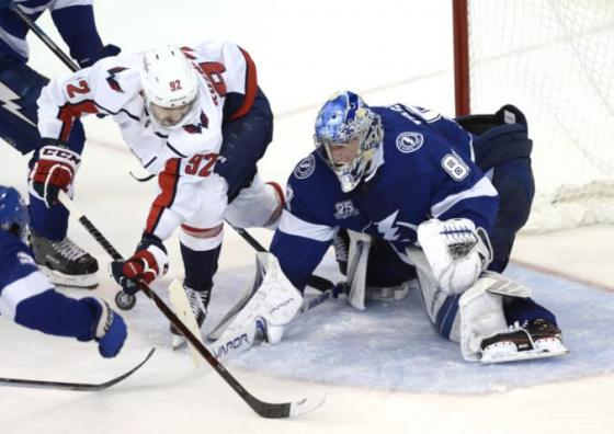 video tampa bay otocila seriu s washingtonom 8222 blesky su jedno vitazstvo od finale nhl