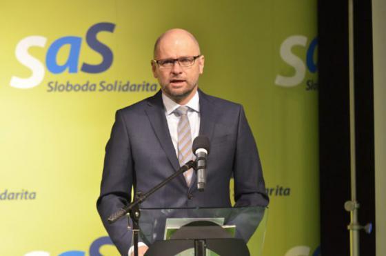 sas vyzyva premiera pellegriniho aby sa v bruseli aktivne zapojil do diskusie o migracnej krize