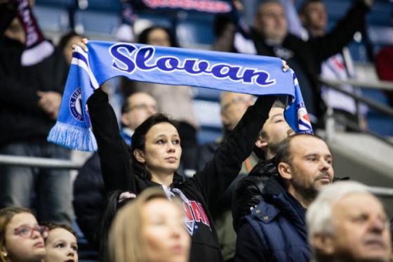 slovan splatil dlh mestu tipsport ligu chce hrat na zimnom stadione ondreja nepelu
