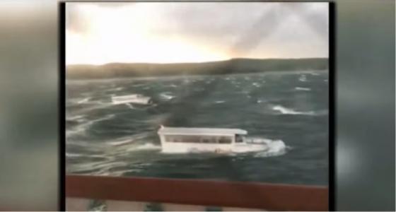 video na jazere v missouri sa prevratila lod s turistami zahynulo sedemnast ludi