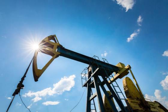 lahka americka ropa zdrazela o 1 4 percenta posilnila aj ropa brent