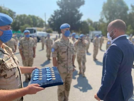 slovenski vojaci sluzia na cypre uz dvadsat rokov minister nad im odovzdal medaily osn foto