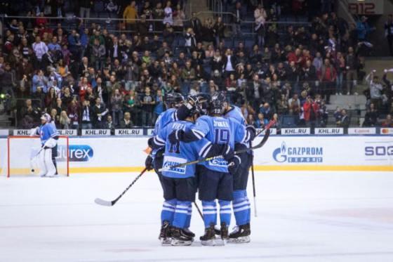 HC Slovan Bratislava zaradil obrancu Schausa na listinu nechránených hráčov 99a3cfa25ee