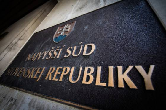 najvyssi sud zrusil vacsinu oslobodzujucich rozsudkov v kauze devin banky
