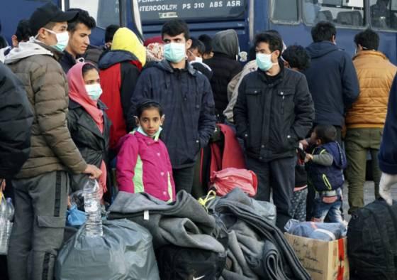 grecka vlada chce predlzit plot na hraniciach s tureckom obava sa velkeho prilevu migrantov