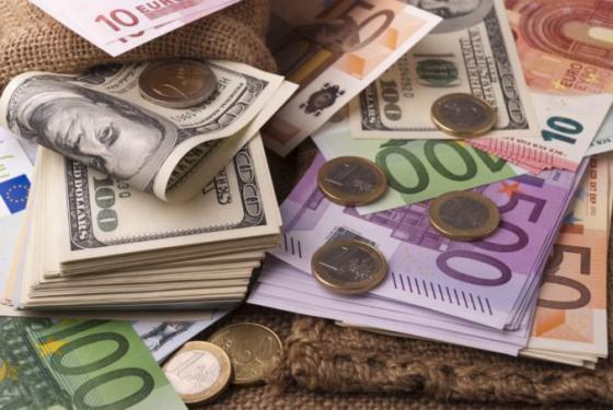 euro si oproti dolaru prilepsilo pomohla mu rekordna podnikatelska nalada v nemecku