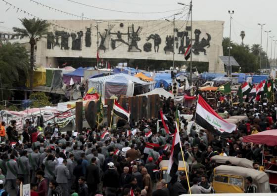 na demonstrantov v bagdade strielali neznami ozbrojenci najmenej patnastich ludi zabili